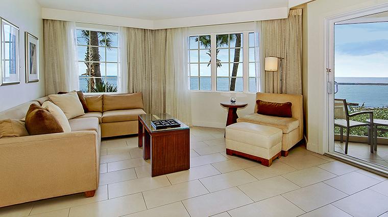 PropertyImage CasaMarinaResort 9 Hotel GuestroomSuites IslandVistaLiving CreditCasaMarinaResort VFMLeonardoInc.