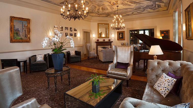 PropertyImage CastleHotel 4 Hotel BarLounge TheTapestryLounge CreditCastleHotelandSpa