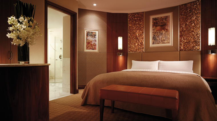 PropertyImage ChinaWorldHotelBeijing 2 Hotel GuestroomSuite HorizonClub ExecutiveSuite Bedroom CreditShangriLaInternationalHotelManagementLTD