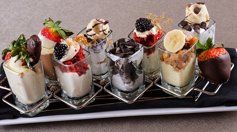 PropertyImage EdgeSteakhouse 4 Restaurant Food DessertPlatter CreditWestgateResorts
