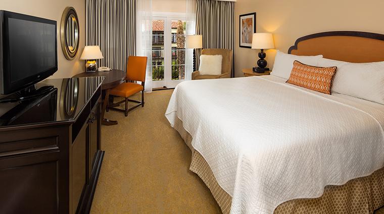 PropertyImage EstanciaLaJollaHotelandSpa 2 Hotel GuestroomSuites VerandaStyleGuestRoom CreditEstanciaLaJollaHotelAndSpa