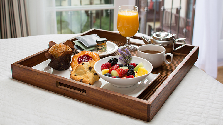 PropertyImage EstanciaLaJollaHotelandSpa 3 Hotel GuestroomSuites BreakfastinBed CreditEstanciaLaJollaHotelAndSpa