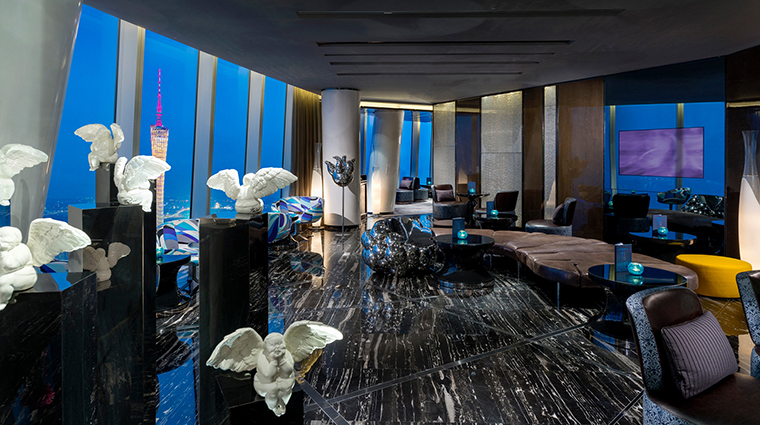 PropertyImage FourSeasonsHotelGuangzhou 10 Hotel BarLounge TianBar 2 CreditKenSeet