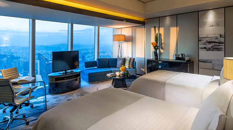 PropertyImage FourSeasonsHotelGuangzhou 12 Hotel GuestroomSuites Guestroom CreditKenSeet