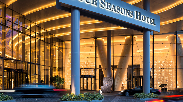 PropertyImage FourSeasonsHotelGuangzhou 2 Hotel Exterior 2 CreditKenSeet
