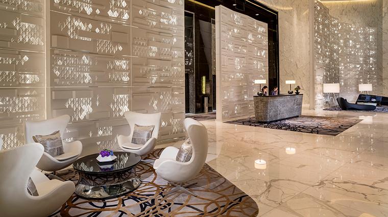 PropertyImage FourSeasonsHotelGuangzhou 4 Hotel PublicSpaces ArrivalLobby CreditKenSeet