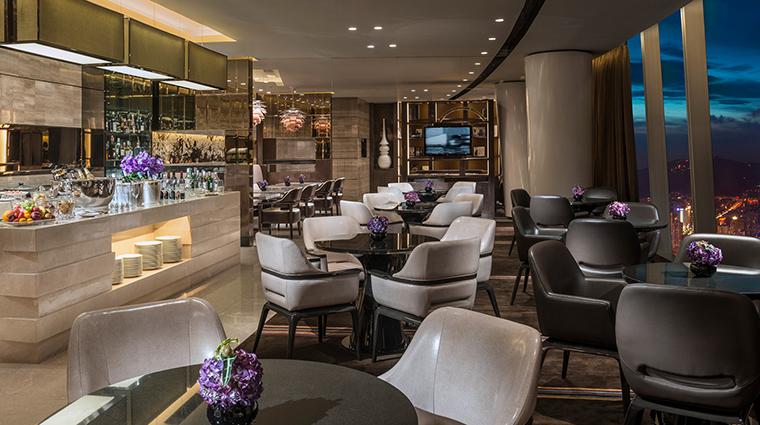 PropertyImage FourSeasonsHotelGuangzhou 9 Hotel BarLounge ClubLounge CreditKenSeet