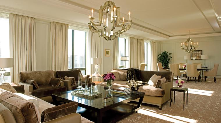 PropertyImage FourSeasonsWashingtonDC 1 Hotel GuestroomSuite PresidentialSuite WestWing LivingRoom CreditFourSeasons