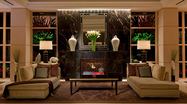 PropertyImage FourSeasonsWashingtonDC 2 Hotel PublicSpaces Lobby CreditFourSeasons