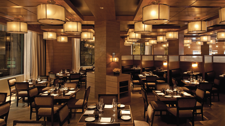 PropertyImage FourSeasonsWashingtonDC 4 Hotel Restaurant BourbonSteakRestaurant DiningRoom CreditFourSeasons