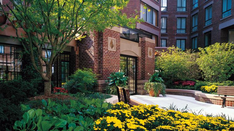 PropertyImage FourSeasonsWashingtonDC Hotel PublicSpaces GardenCourtyard CreditTomMcCavera