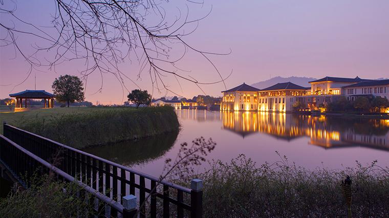 PropertyImage FuchunResortHangzhou 1 Hotel Exterior 1 CreditFuchunResortHangzhou