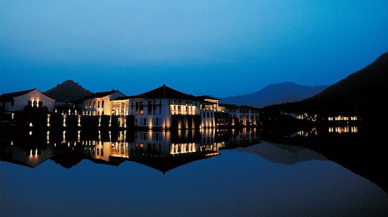 PropertyImage FuchunResortHangzhou 2 Hotel Exterior 2 CreditFuchunResortHangzhou