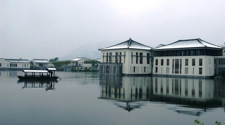 PropertyImage FuchunResortHangzhou 3 Hotel Exterior 3 CreditFuchunResortHangzhou