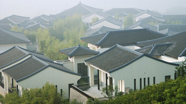 PropertyImage FuchunResortHangzhou 5 Hotel Exterior VillaView CreditFuchunResortHangzhou