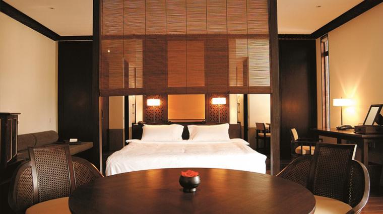 PropertyImage FuchunResortHangzhou 6 Hotel GuestroomsSuites GardenViewSuite CreditFuchunResortHangzhou