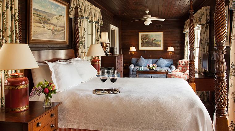 PropertyImage GoodstoneInn 1 Hotel GuestroomSuites CarliseBedroom CreditGoodstoneInn
