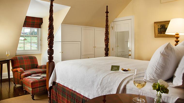PropertyImage GoodstoneInn 12 Hotel GuestroomSuites SpringhouseBedroom CreditGoodstoneInn
