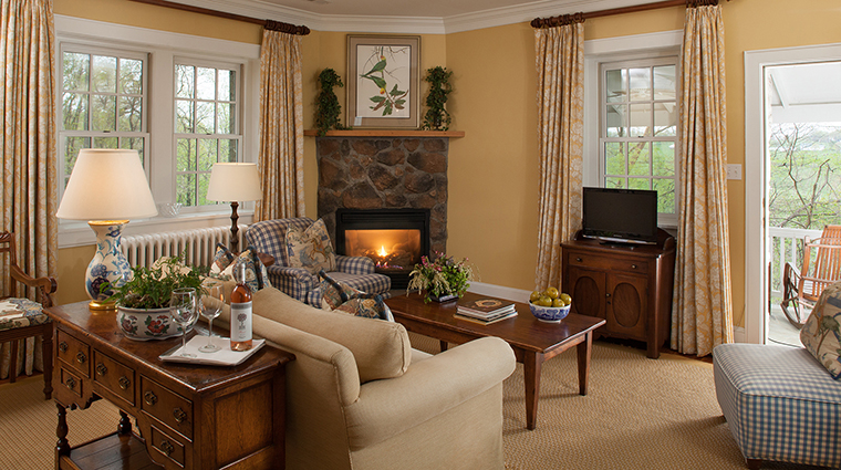 PropertyImage GoodstoneInn 3 Hotel GuestroomSuites DutchCottageLiving CreditGoodstoneInn