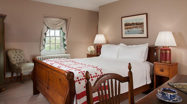 PropertyImage GoodstoneInn 5 Hotel GuestroomSuites DutchCottageBedroom 1 CreditGoodstoneInn