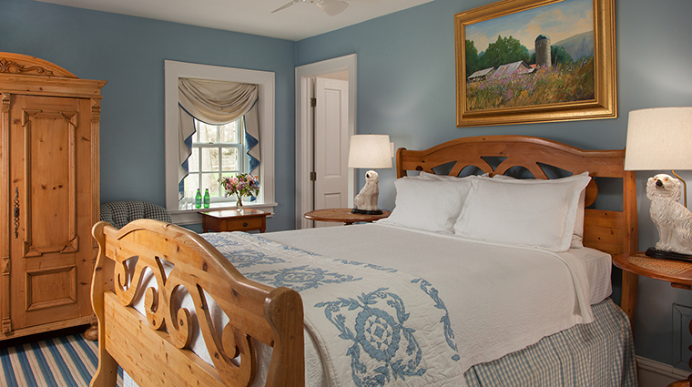 PropertyImage GoodstoneInn 6 Hotel GuestroomSuites DutchCottageBedroom 2 CreditGoodstoneInn