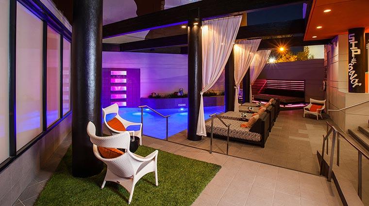 PropertyImage HotelDerek Hotel PublicSpaces Pool 2 CreditHotelDerek
