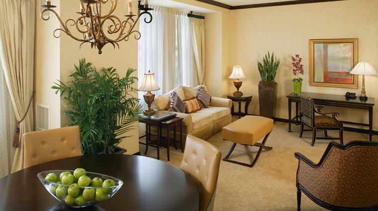 PropertyImage HotelduPont 4 Hotel GuestroomsandSuites GuestSuite CreditHotelduPont