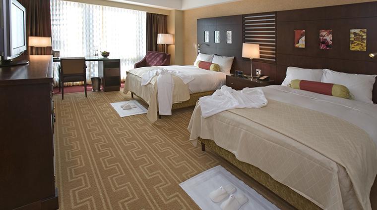 PropertyImage InterContinentalBoston 8 Hotel GuestroomSuites Deluxe2DoubleBedGuestroom CreditInterContinentalBoston