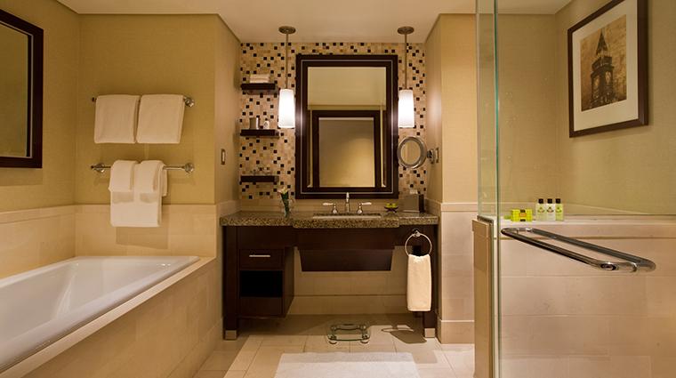 PropertyImage InterContinentalBoston 9 Hotel GuestroomSuites GuestroomBathroom CreditInterContinentalBoston