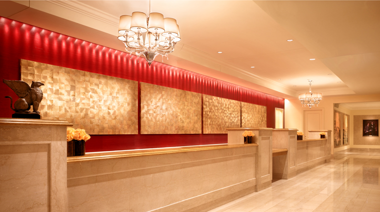 PropertyImage JWMarriottChicago 10 Hotel PublicSpaces Lobby FrontDesk CreditMarriottInternationalInc