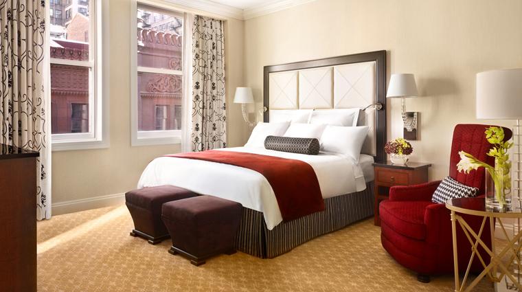 PropertyImage JWMarriottChicago 2 Hotel GuestroomSuite GuestRoom CreditMarriottInternationalInc