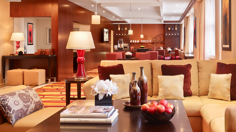 PropertyImage JWMarriottChicago 6 Hotel BarLounge ExecutiveLounge CreditMarriottInternationalInc
