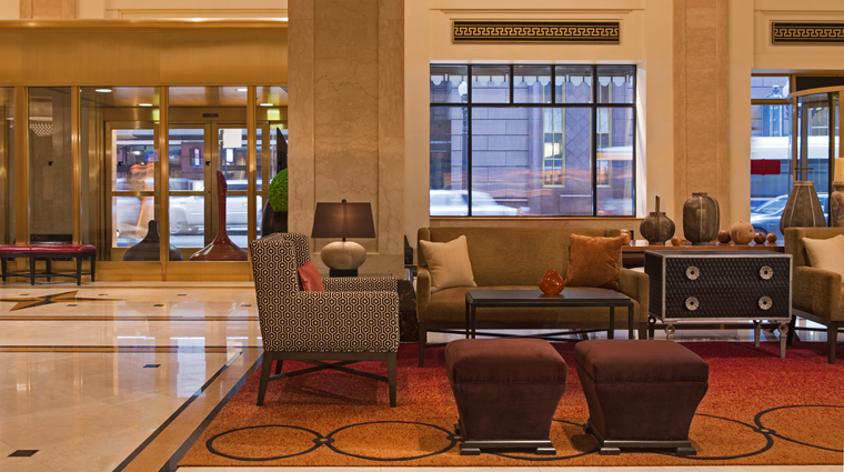 PropertyImage JWMarriottChicago 8 Hotel PublicSpaces Lobby CityViewSeating CreditMarriottInternationalInc