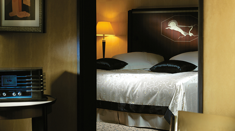 PropertyImage LHotelduCollectionneur 11 Hotel GuestroomsSuites PresidentialSuite CreditLHotelduCollectionneur