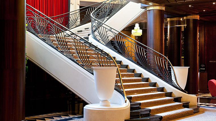 PropertyImage LHotelduCollectionneur 4 Hotel PublicSpaces GrandStaircase CreditLHotelduCollectionneur