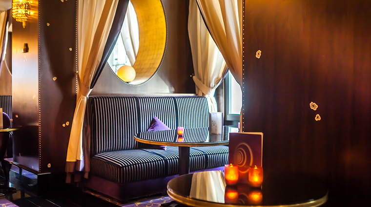 PropertyImage LHotelduCollectionneur 6 Hotel BarLounge PurpleBar 1 CreditLHotelduCollectionneur