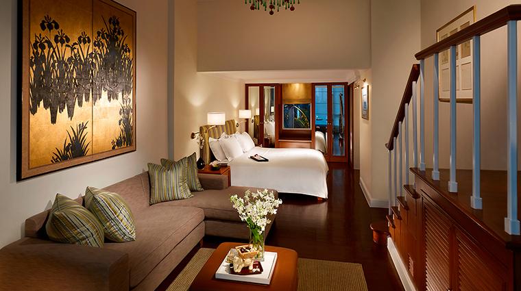 PropertyImage MandarinOrientalBangkok 12 Hotel GuestroomSuites PremierRoom 1 CreditMandarinOrientalHotelGroupLLC