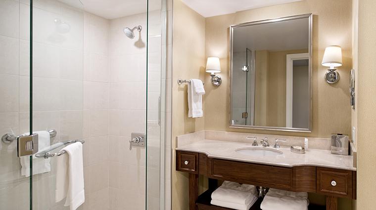 PropertyImage MorrisInn 3 Hotel GuestroomSuites Bathroom CreditMorrisInnNotreDame