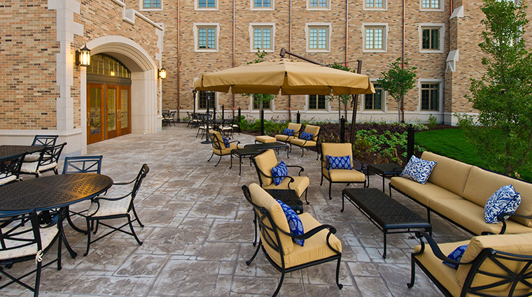 PropertyImage MorrisInn 8 Hotel PublicSpaces Patio CreditMorrisInnNotreDame