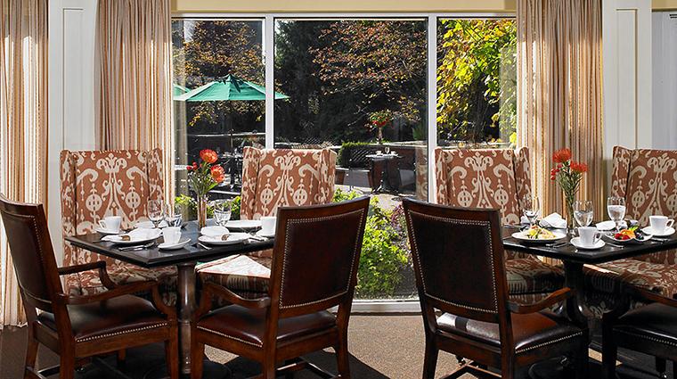 PropertyImage PortlandHarborHotel 15 Hotel Restaurant WindowSeating CreditPortlandHarborHotel