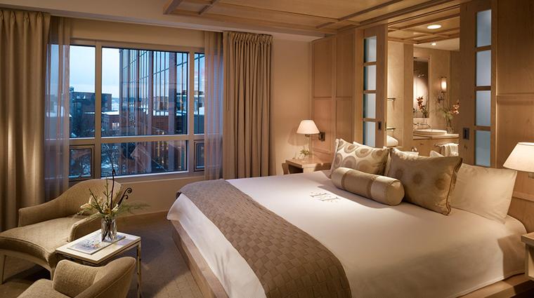 PropertyImage PortlandHarborHotel 2 Hotel GuestroomSuites HotelSuite CreditPortlandHarborHotel
