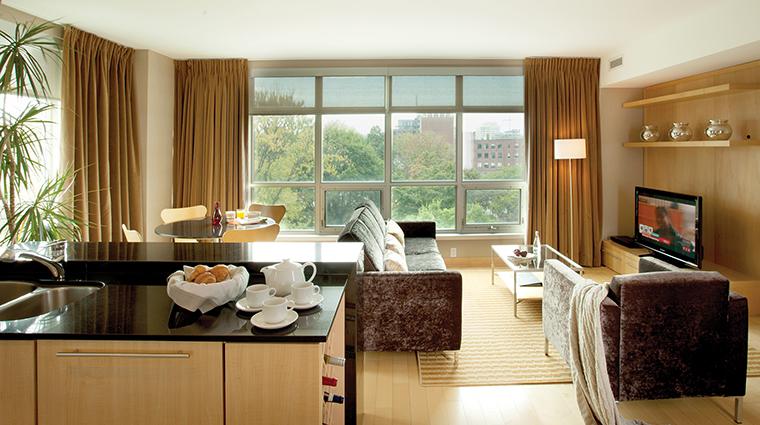PropertyImage SOHOMetropolitanHotelToronto 5 Hotel GuestroomSuites ExtendedStayResidence CreditSOHOMetropolitanHotelToronto