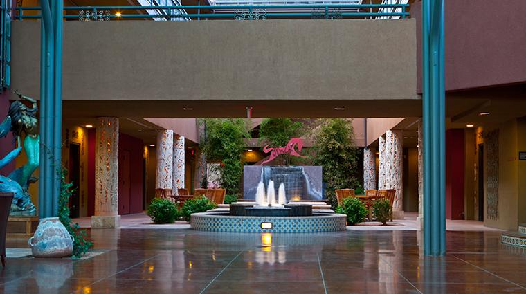 PropertyImage SedonaRougeHotelandSpa Hotel PublicSpaces Courtyard CreditSedonaRougeHotelandSpa