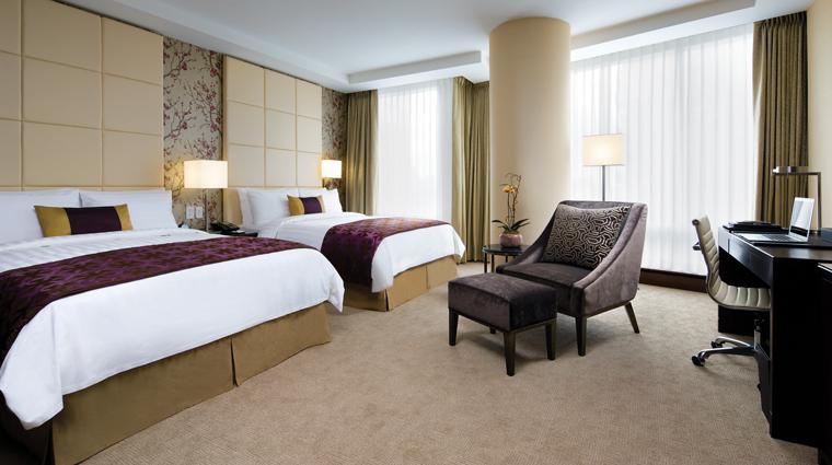 PropertyImage ShangriLaHotelToronto 1 Hotel GuestroomSuite PremiereRoom Double CreditShangriLaInternationalHotelManagementLTD