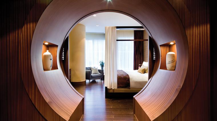 PropertyImage ShangriLaHotelToronto 5 Hotel GuestroomSuite ShangriLaSuite MoongateEntrance CreditShangriLaInternationalHotelManagementLTD