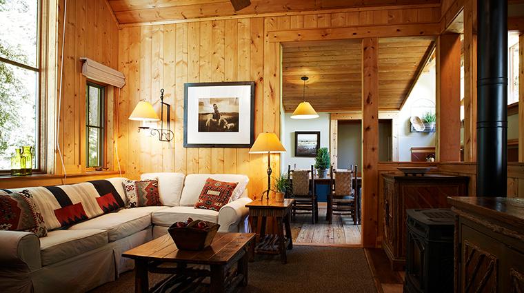 PropertyImage SundanceResort 4 Hotel GuestroomSuites SundanceMountainSuiteLivingRoom CreditSundanceResort