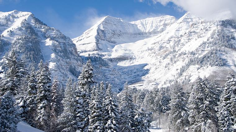 PropertyImage SundanceResort 6 Hotel Exterior Mountains CreditSundanceResort