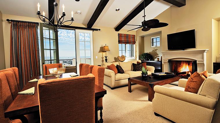 PropertyImage TerraneaResort Hotel 10 GuestroomSuites VillaLivingRoom CreditTerraneaResort