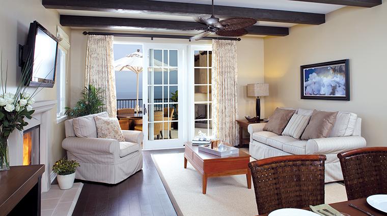 PropertyImage TerraneaResort Hotel 6 GuestroomSuites BungalowLivingRoom CreditTerraneaResort