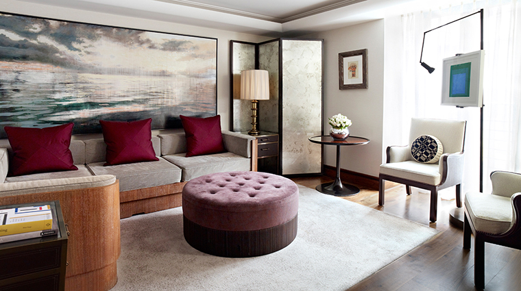 PropertyImage TheConnaught Hotel GuestroomsSuites CarlosSuiteContemporary CreditMaybourneHotelGroup
